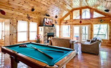 Above the Clouds Vacation Cabin Rental