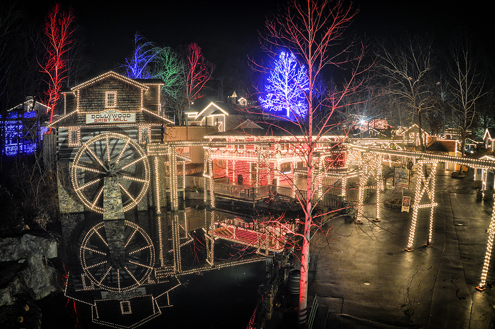 Dollywood Smoky Mountain Christmas - Pigeon Forge Convention Center